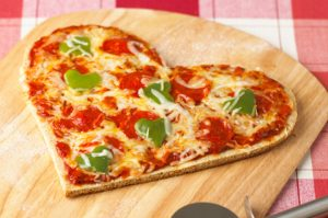 heart-shapped-pizza